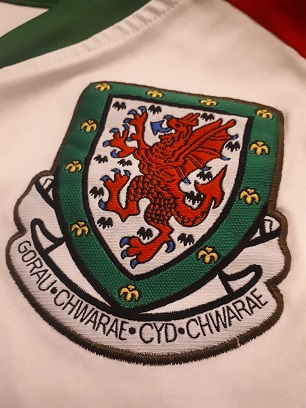Wales football crest